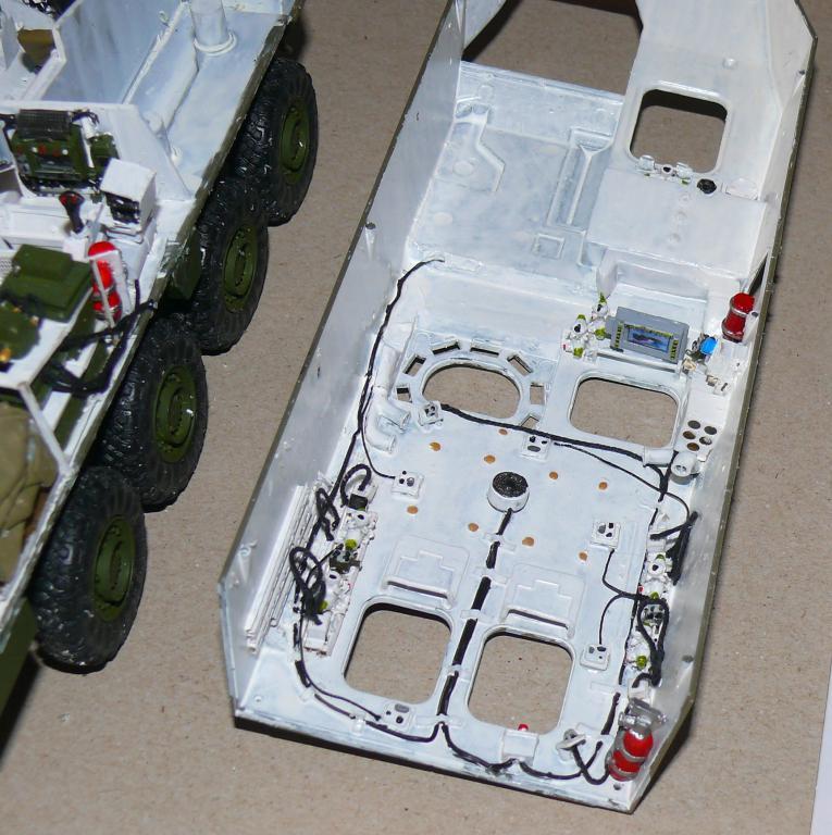 Stryker M1126 de AFV Club et détaillage intérieur Black Dog au 1/35 Stryke55