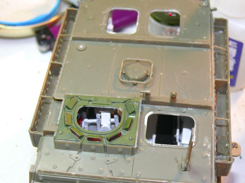 Stryker M1126 de AFV Club et détaillage intérieur Black Dog au 1/35 Stryke65