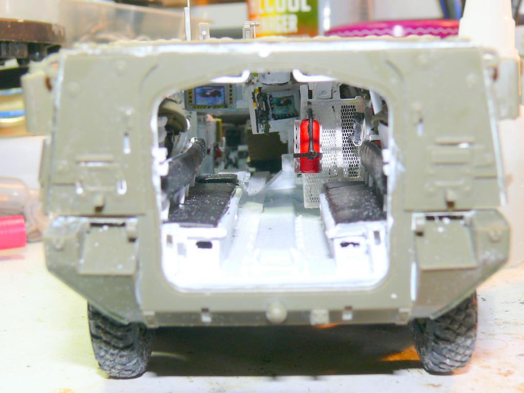 Stryker M1126 de AFV Club et détaillage intérieur Black Dog au 1/35 Stryke69