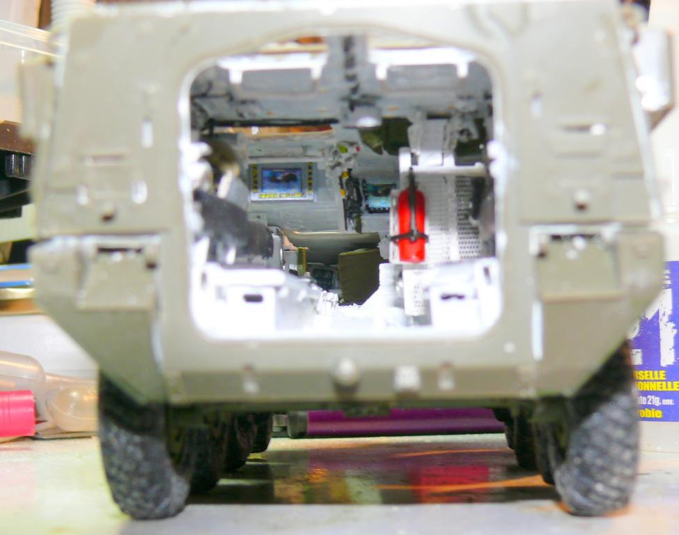 Stryker M1126 de AFV Club et détaillage intérieur Black Dog au 1/35 Stryke70