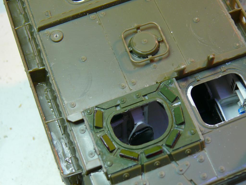 Stryker M1126 de AFV Club et détaillage intérieur Black Dog au 1/35 Stryke74
