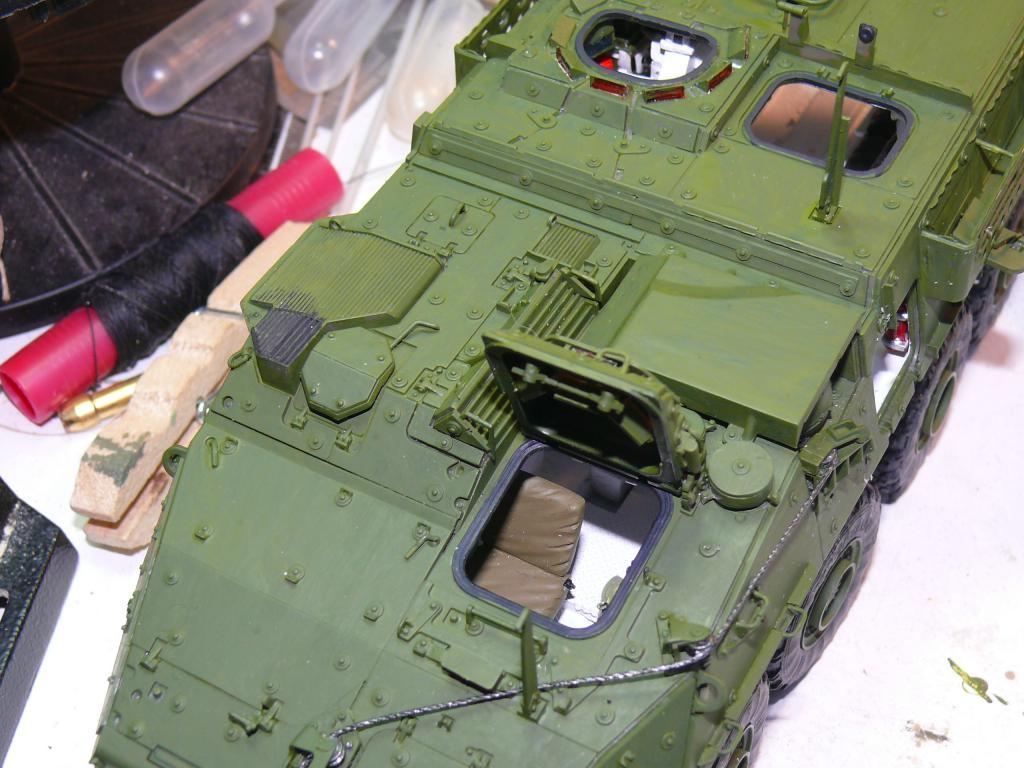 Stryker M1126 de AFV Club et détaillage intérieur Black Dog au 1/35 Stryke82