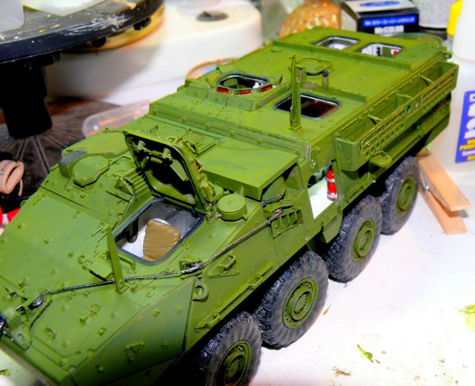 Stryker M1126 de AFV Club et détaillage intérieur Black Dog au 1/35 Stryke84