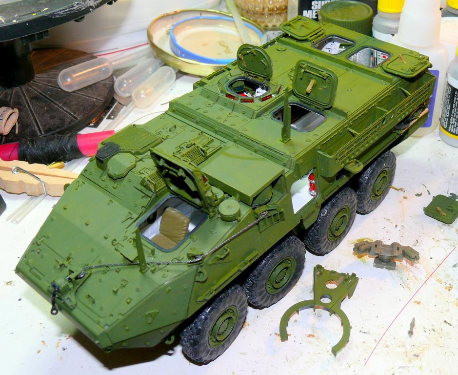 Stryker M1126 de AFV Club et détaillage intérieur Black Dog au 1/35 Stryke93