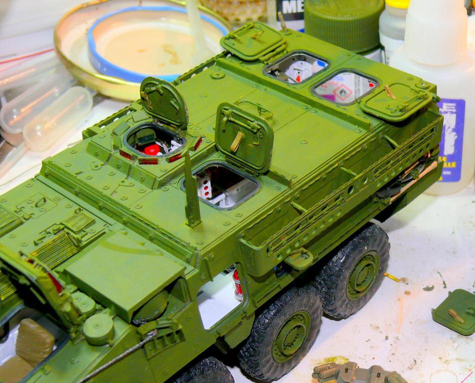 Stryker M1126 de AFV Club et détaillage intérieur Black Dog au 1/35 Stryke97