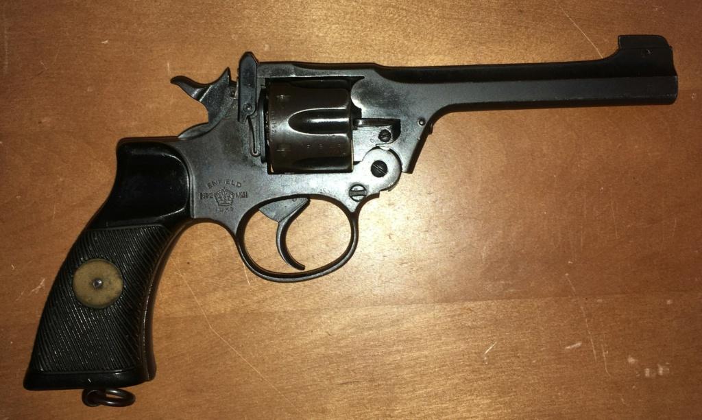 Votre première arme de poing Img_0521