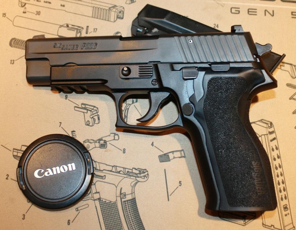 Mon nouveau Bébé Sig P226 est arrivé!!!! Sig_sa14
