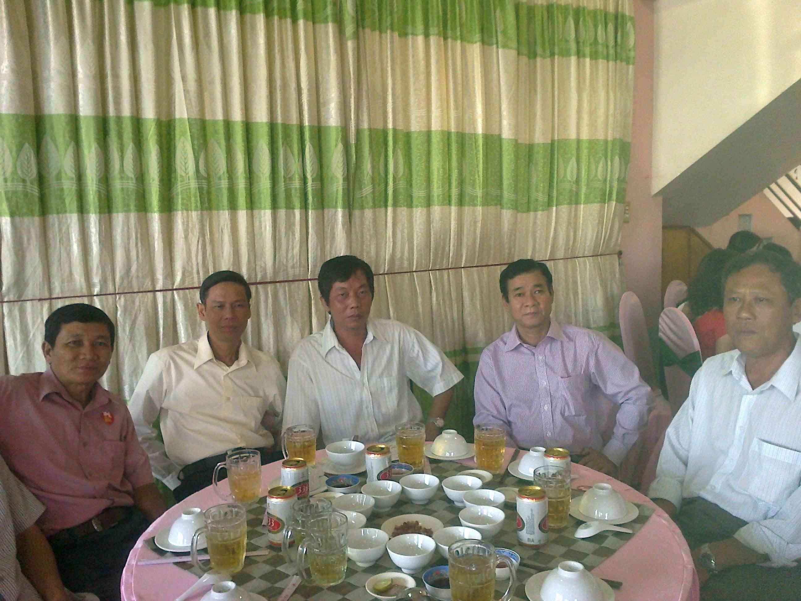Dương Tấn Kiệt tháo ngòi bom nổ chậm 19012010