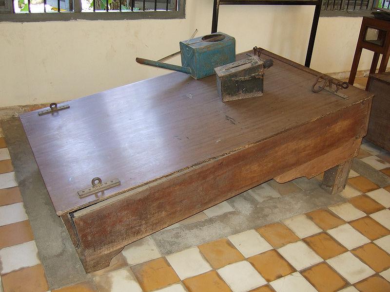 Tội ác của Khmer Đỏ 800px-10