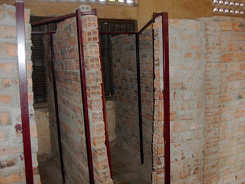 Tội ác của Khmer Đỏ 800px-11