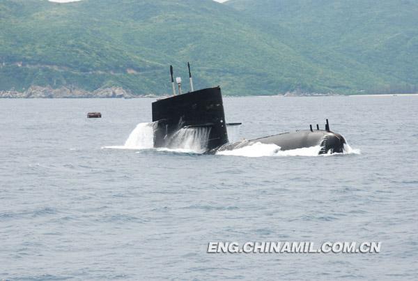 Những điểm yếu trí mạng của hải quân Trung Quốc F2013010