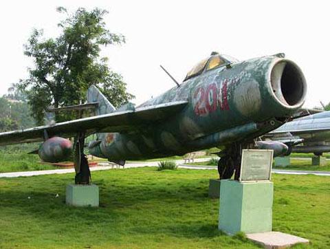"""Mối hận ngàn năm của """"chuyên gia diệt MiG"""" Images10"""