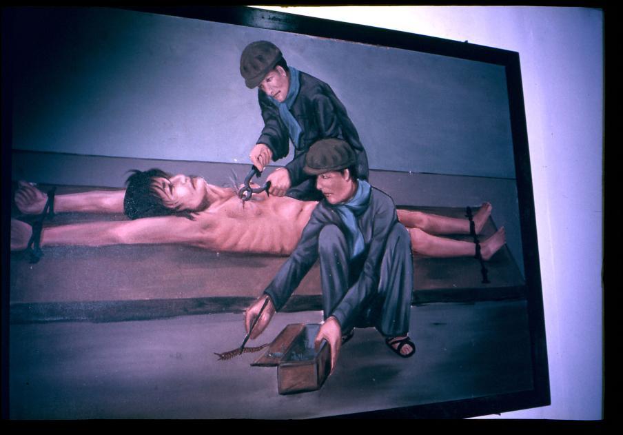 Tội ác của Khmer Đỏ Museum10