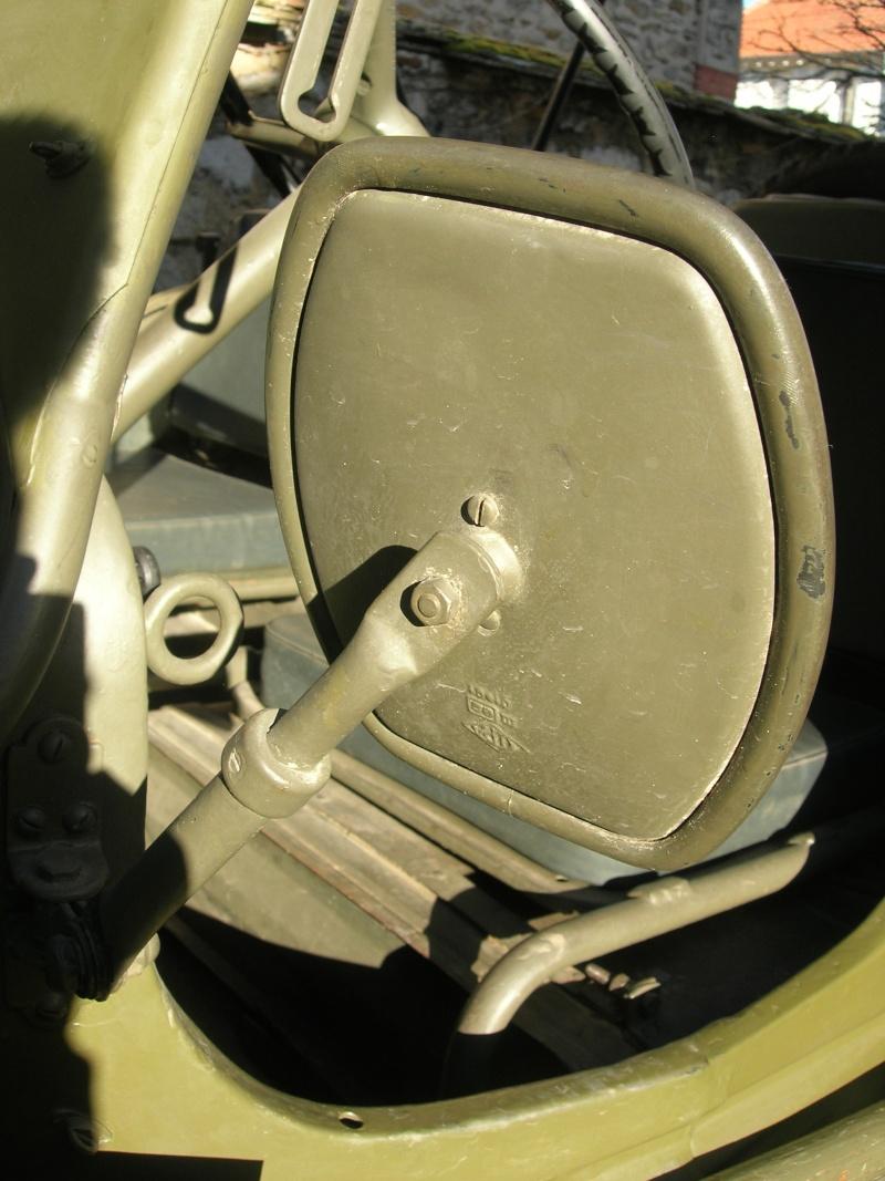 Eléments typiques d'une jeep Hotchkiss M201 en 24V Dscn6611