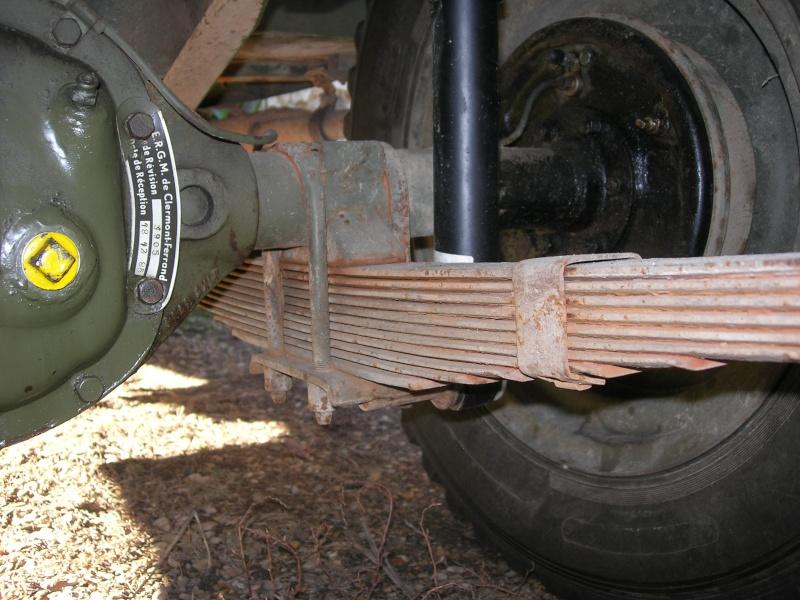 Eléments typiques d'une jeep Hotchkiss M201 en 24V Dscn6615