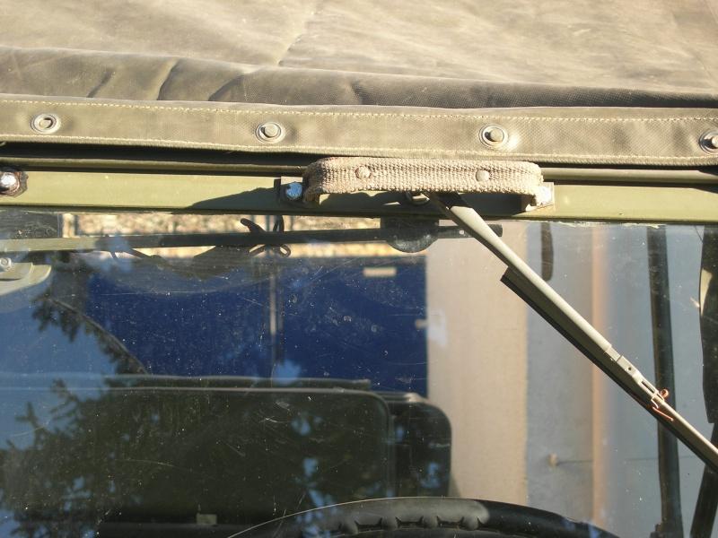 Eléments typiques d'une jeep Hotchkiss M201 en 24V Dscn6617