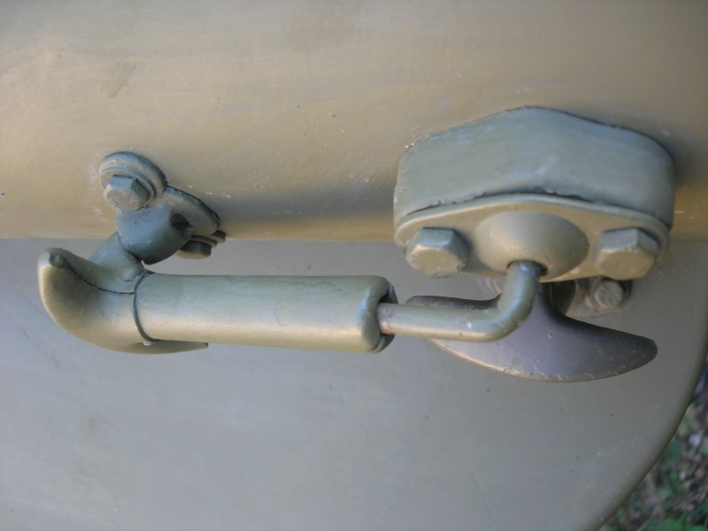 Eléments typiques d'une jeep Hotchkiss M201 en 24V Dscn6619