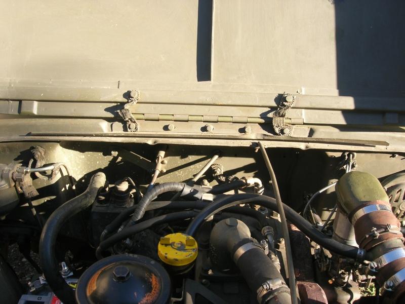 Eléments typiques d'une jeep Hotchkiss M201 en 24V Dscn6624