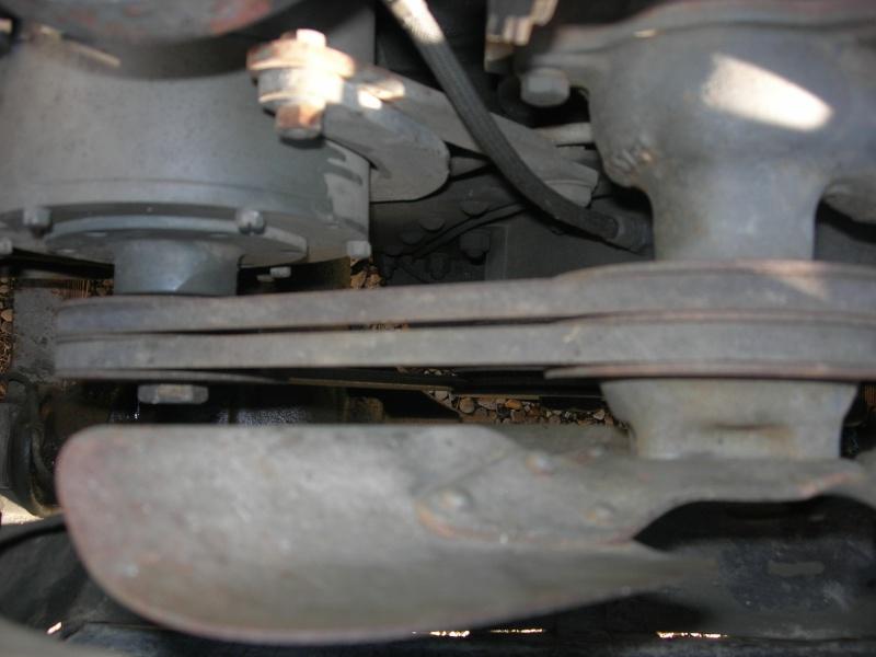 Eléments typiques d'une jeep Hotchkiss M201 en 24V Dscn6630
