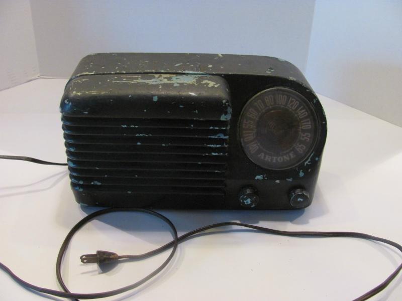 Cute little Artone AA5 radio Kgrhqv10