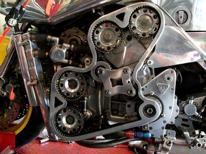 dohc V6 moto ? 31237910