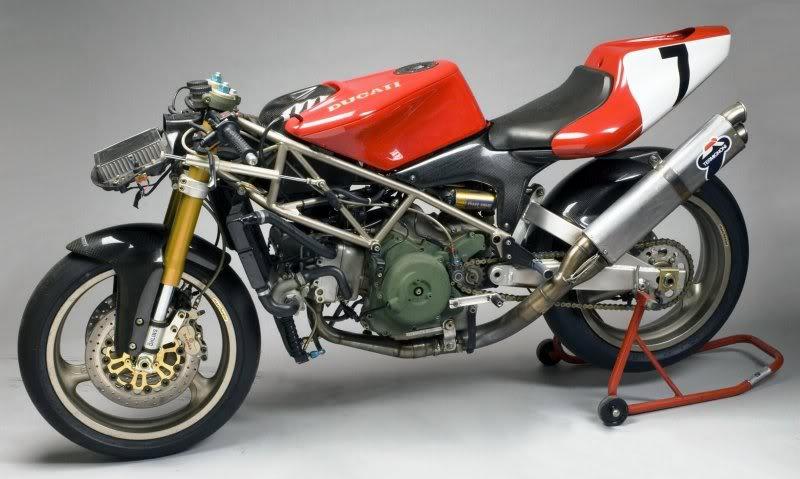 Ici on balance les Monos Ducati - Page 5 Superm10
