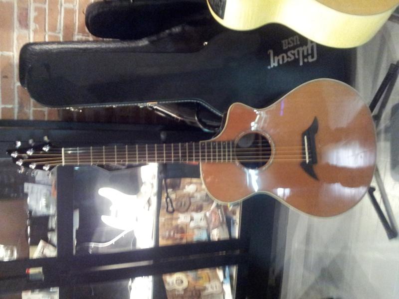 Help choix de nouvelle guitare  - Page 2 Img_2011