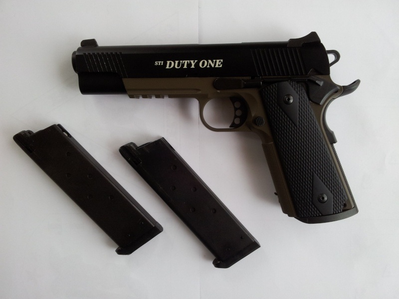 COLT 1911 Duty One 20121110