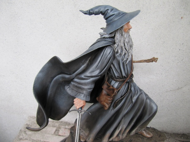 GANDALF THE GREY Polystone statue Img_7614