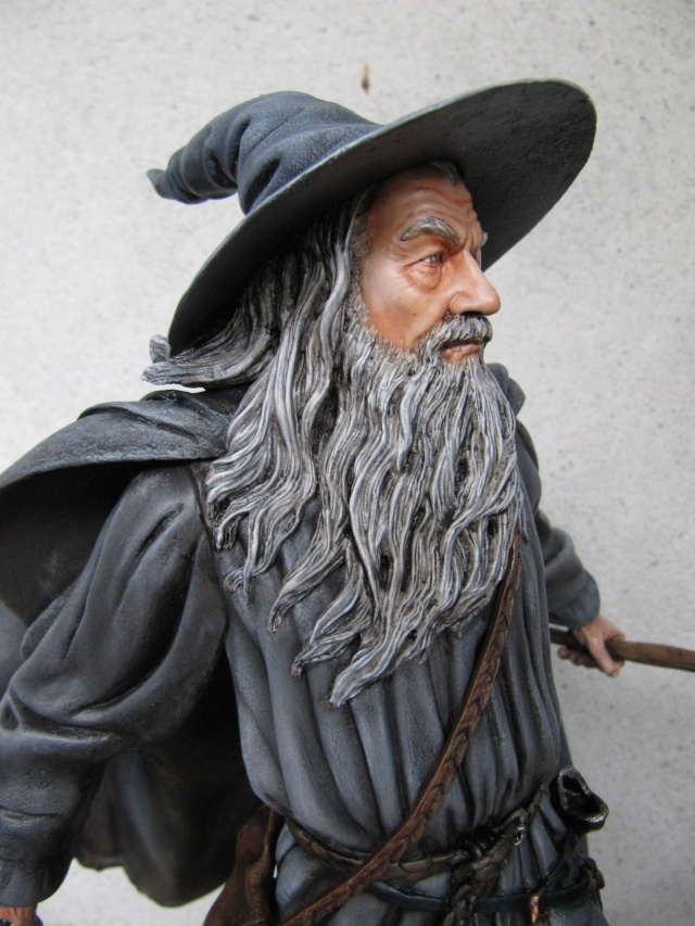 GANDALF THE GREY Polystone statue Img_7616