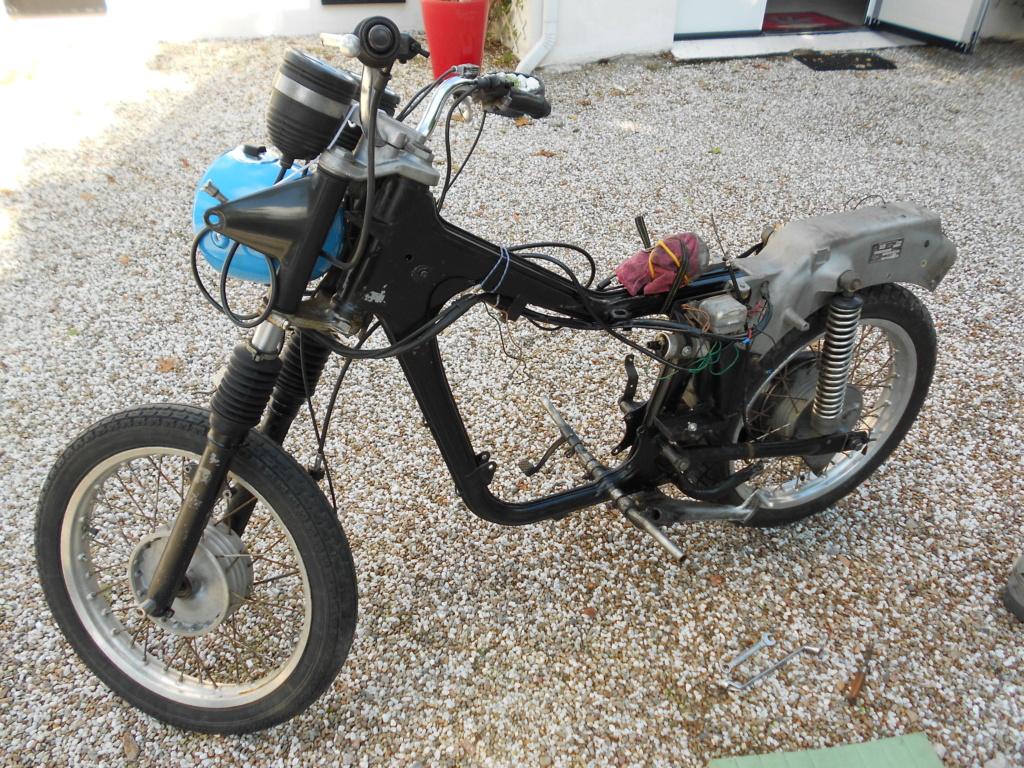 La moto de mes 16 ans. Dzomon10