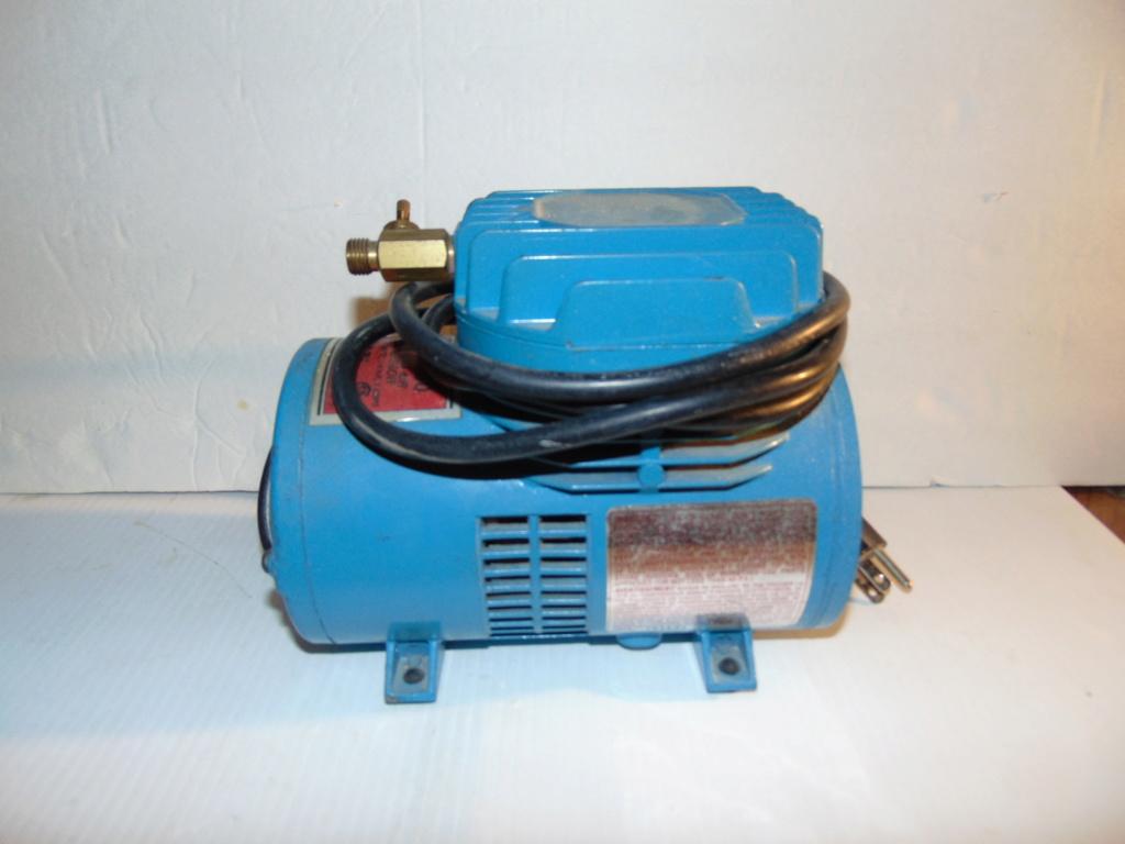 airbrush and compressor Dsc00710