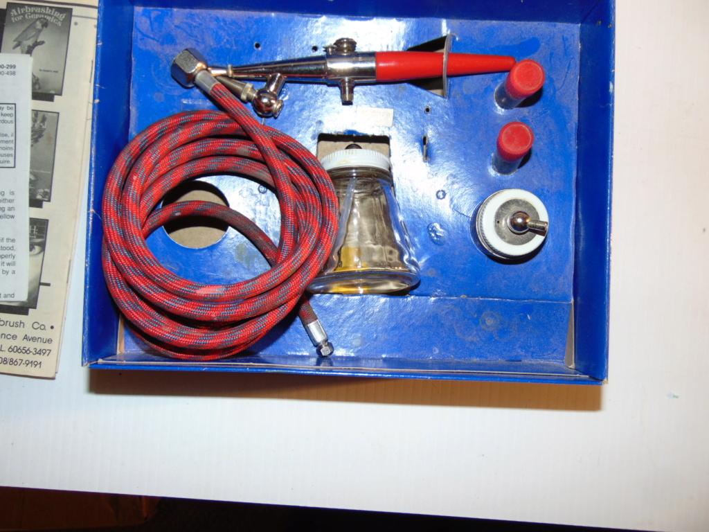 airbrush and compressor Dsc00715