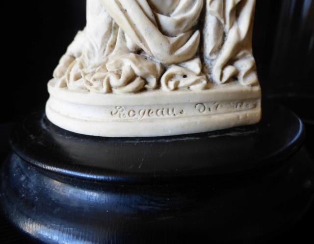 sculpture sous globe terre a pipe de ROGEAU sculpteur P1020913