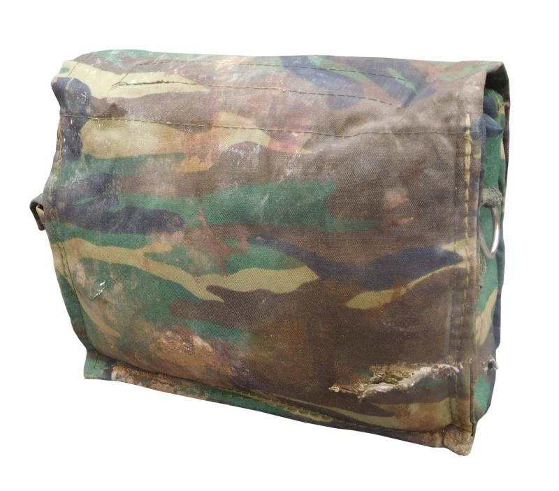 ISIS medic pouch Battle damaged  Dscn0927
