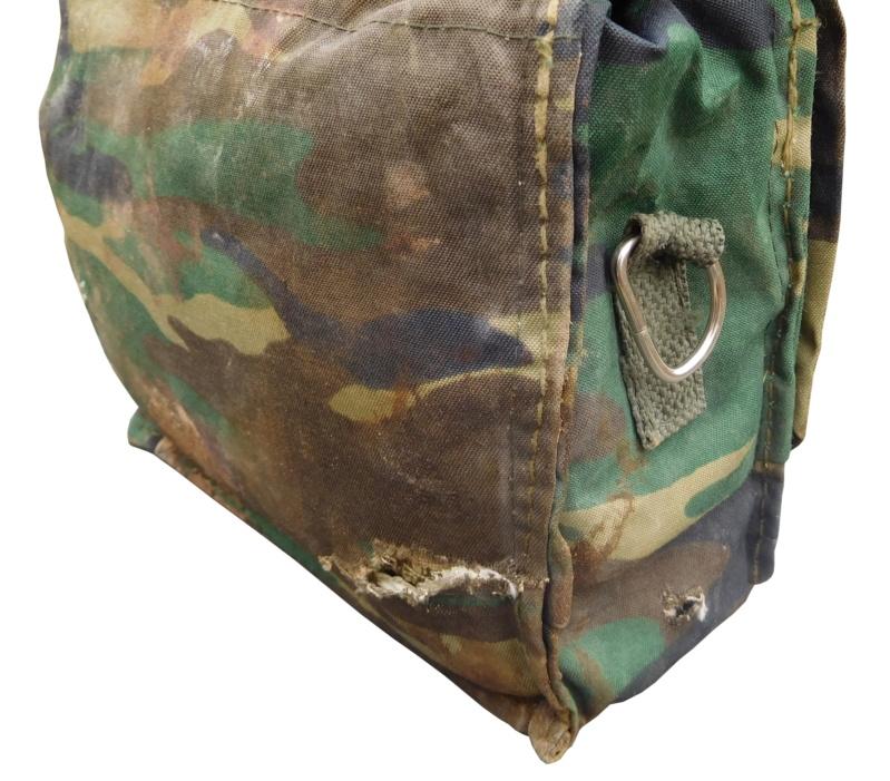 ISIS medic pouch Battle damaged  Dscn0928