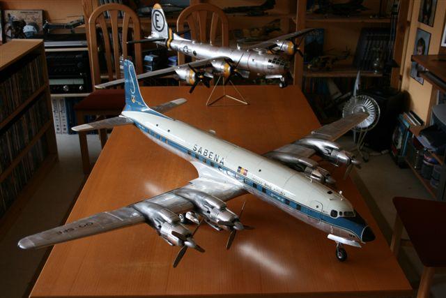 DOUGLAS DC7 C 1/32 EN BOIS ET CARTON Dc720011