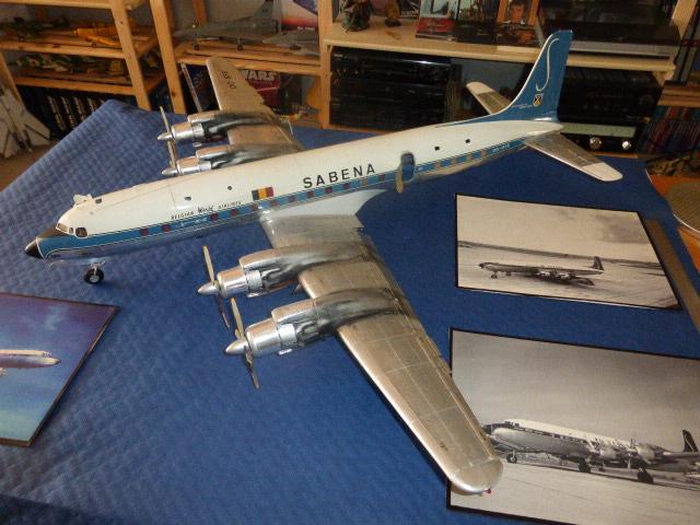 DOUGLAS DC7 C 1/32 EN BOIS ET CARTON P1010111