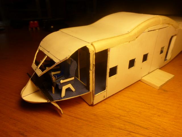 short skyvan 1/32 en bois et carton P1020417