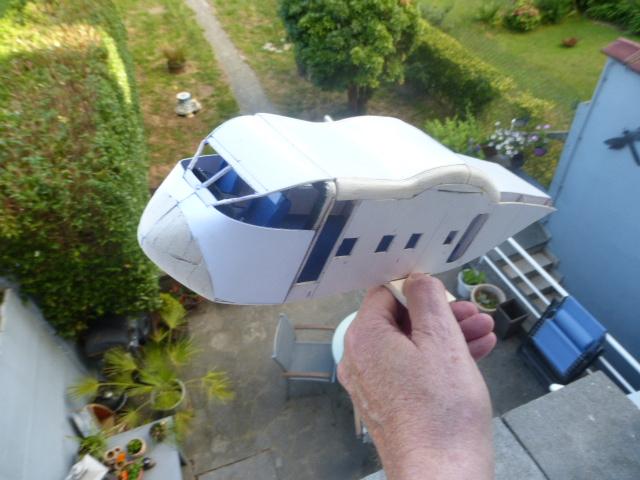 short skyvan 1/32 en bois et carton P1020510