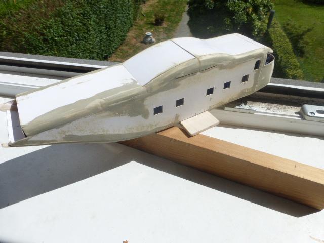 short skyvan 1/32 en bois et carton P1020514