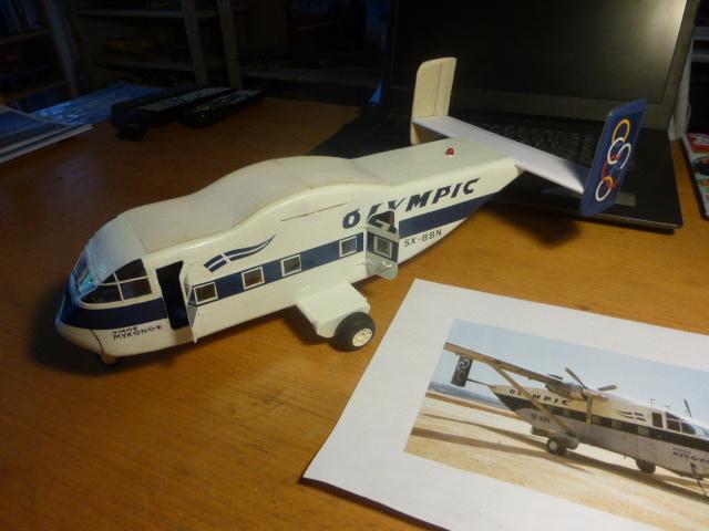 short skyvan 1/32 en bois et carton P1020521