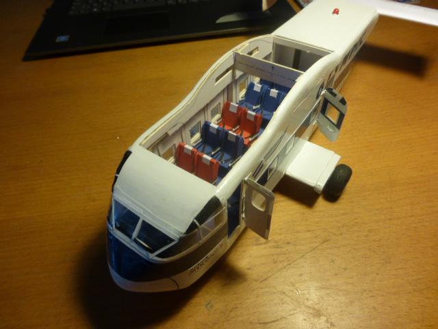 short skyvan 1/32 en bois et carton P1020523