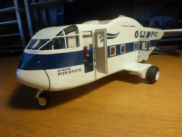 short skyvan 1/32 en bois et carton P1020524