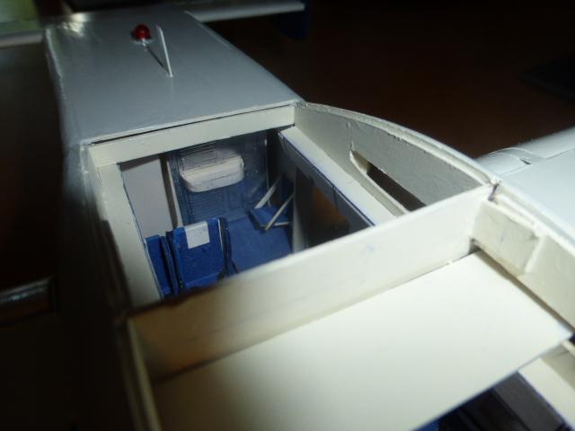 short skyvan 1/32 en bois et carton P1020535