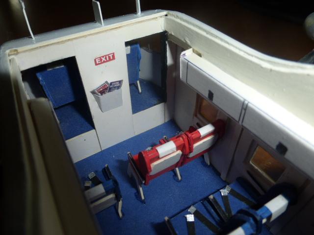 short skyvan 1/32 en bois et carton P1020536
