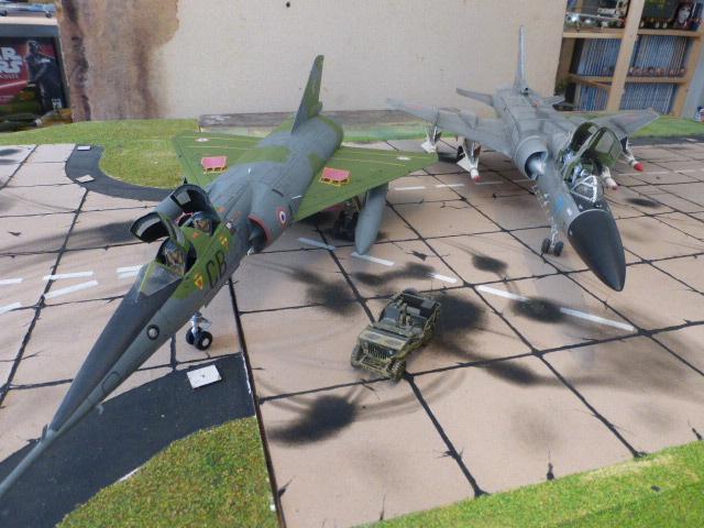 Mirage IV 1:32 en bois et carton P1020628