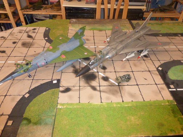 Mirage IV 1:32 en bois et carton P1020629