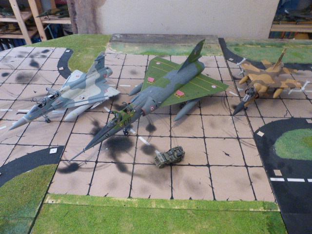 Mirage IV 1:32 en bois et carton P1020633