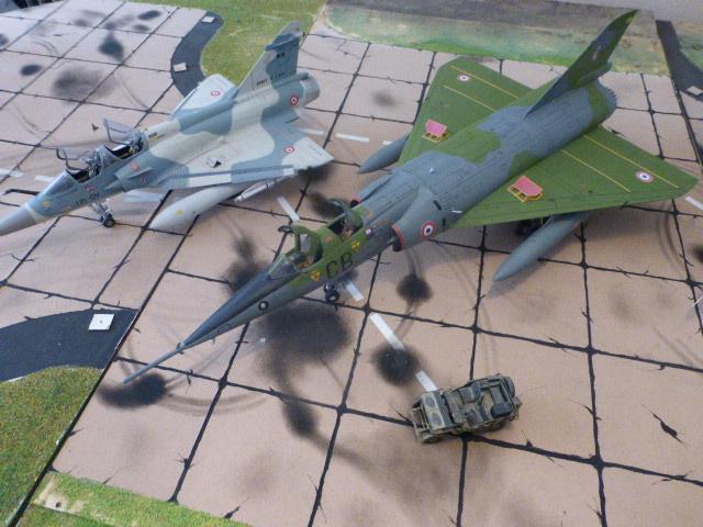 Mirage IV 1:32 en bois et carton P1020635